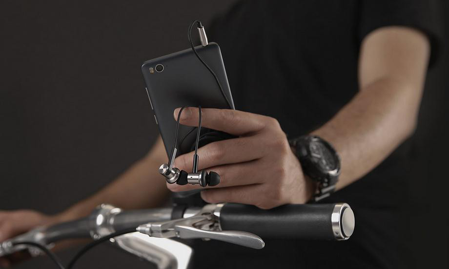 Xiaomi-Hybrid-наушники-арматурные1.jpg